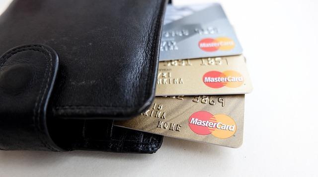 В Госдуму внесен законопроект, запрещающий банкам блокировать счета