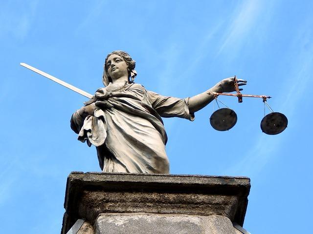 Взыскание долгов судебными приставами может быть приостановлено на полгода